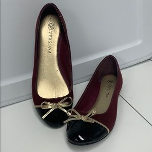 Versona burgundy suede and black patent size 7